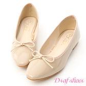 D+AF 氣質典雅.漆皮低跟芭蕾娃娃鞋*杏