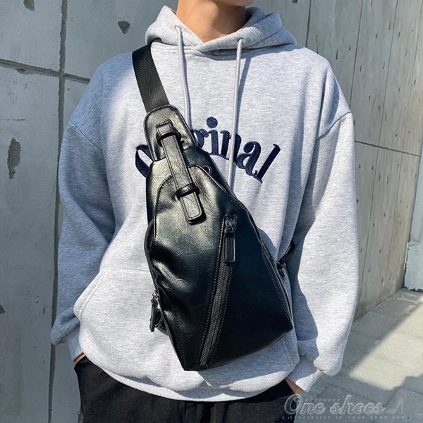 男士胸包 潮酷風范小包 爆款潮流時尚單肩包后背包潮包 『交換禮物』