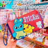 正版 日本 迪士尼筆袋 玩具總動員4 BUNNY DUCKY 筆袋 掛繩收納包 化妝包 萬用包 COCOS DK600