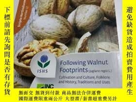 二手書博民逛書店following罕見walnut footprints 跟隨核桃足跡Y413088