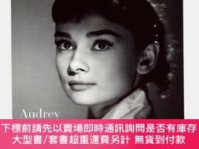 二手書博民逛書店Audrey罕見Hepburn: Portraits of an Icon 奧黛麗·赫本:肖像Y363539