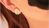 貓眼石耳環