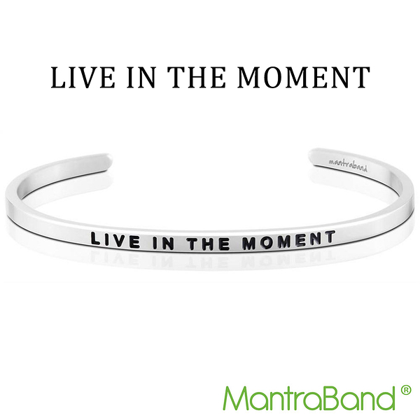Mantraband | LIVE IN THE MOMENT 活在當下 - 悄悄話銀色手環 台灣官方總代理