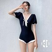 短袖保守泳衣女連體裙式度假性感泡溫泉遮肚顯瘦泳裝【Kacey Devlin】
