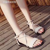 低跟涼鞋 韓版低跟涼鞋女夏交叉綁帶復古羅馬鞋一字扣學生平底涼鞋 夢露時尚女裝