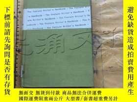 二手書博民逛書店The罕見Feature Writer s HandbookY1