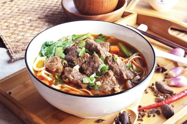 御品川味紅燒牛肉麵(麵200g、牛肉100g)