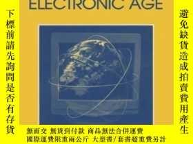 二手書博民逛書店Writing,罕見Teaching And Researching History In The Electro