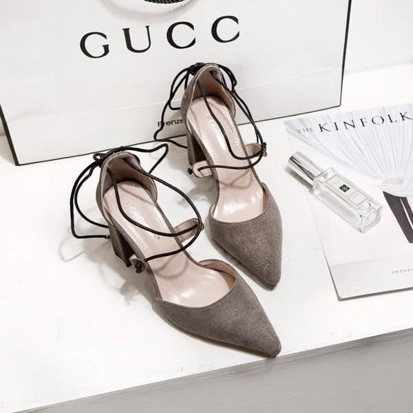 高跟涼鞋 歐美春夏新款交叉綁帶絨面粗跟尖頭淺口單鞋女鞋《小師妹》sm2099
