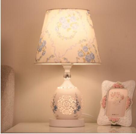 【土城快速出貨】歐式陶瓷檯燈現代簡約臥室床頭燈餵奶客廳書房個性創意浪漫調光燈