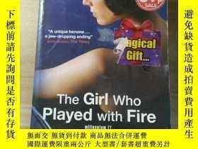 二手書博民逛書店原版《THE罕見GIRL WHO PLAYED WITH FIR