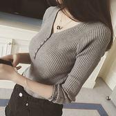 DE SHOP~前排釦羅紋針織毛衣衫V領長袖上衣女上衣服素色彈力貼身顯瘦內搭衫短版駝色(GU3888)