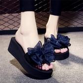 夏季涼拖鞋女外穿高跟一字拖蝴蝶結防滑厚底海邊度假沙灘鞋【免運直出】