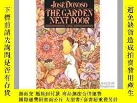 二手書博民逛書店The罕見Garden Next Door(拉美文學爆炸代表作家