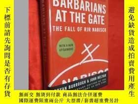 二手書博民逛書店Barbarians罕見at the Gate: The Fal