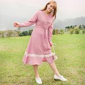 Poly Lulu V領腰抽繩蕾絲裙襬長洋裝-粉【92310100】