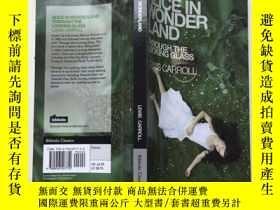 二手書博民逛書店Alice罕見in Wonderland & Through t