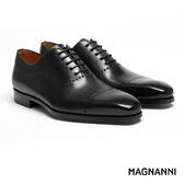 【MAGNANNI】簡約孔飾牛津紳士皮鞋 黑色(17357-BL)