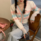 VK精品服飾 韓系針織彩色愛心條紋V領單排釦單品長袖上衣