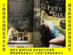 二手書博民逛書店Clever罕見Girl 聰明的女孩 英文原版小說Y23200