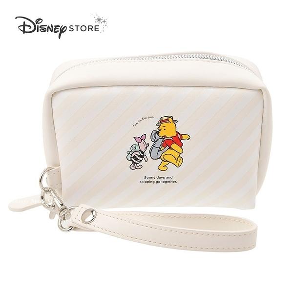 (現貨&日本實拍) 日本 DISNEY STORE 迪士尼商店限定 小熊維尼&小豬 旅遊版 掛繩 收納包 / 化妝包