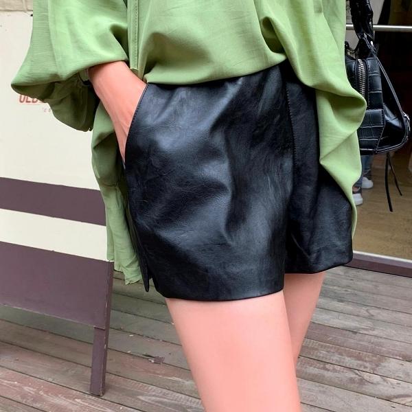 褲子.英倫率性高腰鬆緊皮革口袋短褲.白鳥麗子