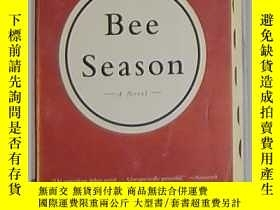 二手書博民逛書店英文原版罕見Bee Season by Myla Goldber