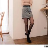 《CA1772》毛呢裝飾排釦英倫格紋短褲裙(附皮帶) OrangeBear
