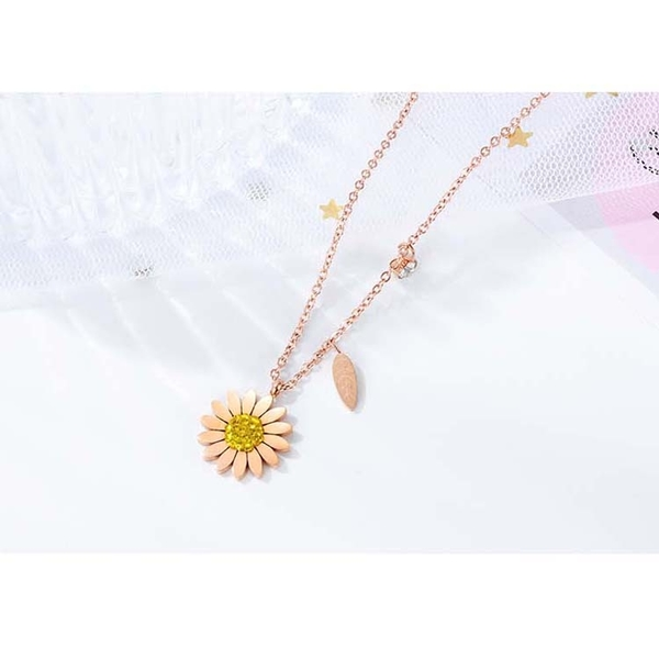 【5折超值價】時尚精美太陽花瓣鑲鑽造型女款鈦鋼項鍊