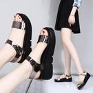 涼鞋 涼鞋女夏新款新款學生百搭女鞋中跟厚底鬆糕鞋正韓平跟平底增高鞋