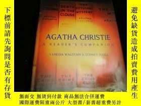 二手書博民逛書店Agatha罕見Christie: A Reader s Com