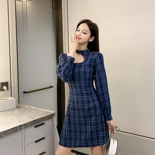 出清388 韓國風復古藍格紋掛脖性感修身長袖洋裝