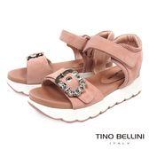 Tino Bellini華麗運動風潮鑽釦厚底涼鞋_ 粉桃 A73047