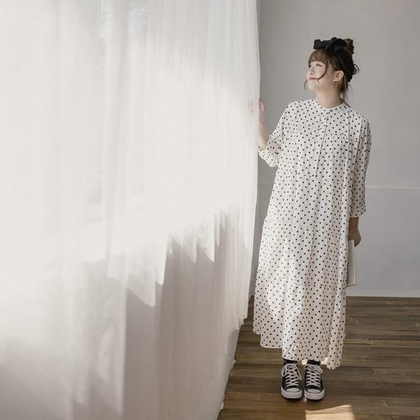 Queen Shop【01085218】黑白小圓點雪紡蛋糕洋裝 兩色售 M/L*現+預*