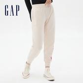 Gap女裝 Logo簡約風格鬆緊休閒褲 621125-燕麥色