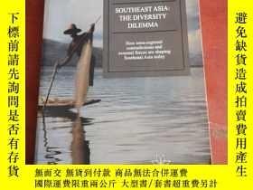 二手書博民逛書店SOUTHEAST罕見ASIA THE DIVERSITY DILEMMAY177301 SOUTHEAST