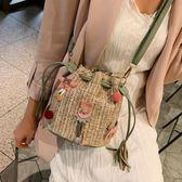 編織包 水桶包包女2019夏天新款韓版ins超火個性少女草編單肩斜跨仙女包