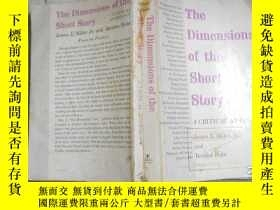 二手書博民逛書店The罕見Dimensions Of The Short Story:A Critical Anthology(英