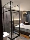 【麗室衛浴】煙燻黑 消光黑天地鉸鏈簡框ㄇ字型 8mm強化玻璃淋浴拉門