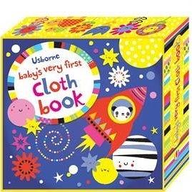 【麥克書店】寶寶的彩色布書- 藍色火箭 BABYS VERY FIRST CLOTH BOOK
