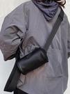 小眾ins超火包 新款斜挎手機小包水桶包女街頭嘻哈單肩背包圓筒包