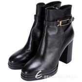 TOD'S 金屬方框設計粗跟短靴(黑色) 1510379-01