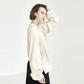 【南紡購物中心】《D Fina 時尚女裝》隱約線條 優雅甜美寬鬆版燈籠袖襯式上衣 (2色)