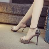 銀色婚宴鞋女12公分新款露趾水鑚細跟超高跟鞋防水台一字扣涼鞋 露露日記