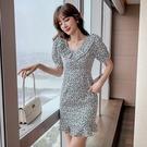 VK精品服飾 韓國風氣質碎花優雅娃娃荷葉邊領短袖洋裝
