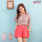 質感襯衫--青春洋溢撞色下擺抓皺大圓弧設計短袖格紋襯衫(紅.粉M-XL)-H139眼圈熊中大尺碼