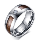 《 QBOX 》FASHION 飾品【RTCR-066】精緻個性木紋路單鑽鋯石鎢鋼戒指/戒環