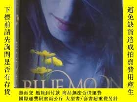 二手書博民逛書店BLUE罕見MOON;THE IMMORTALS 英文原版大32