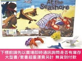 二手書博民逛書店罕見原版 海邊玩具套裝 英文原版 At the Seashore Board BookY454646 Ruth