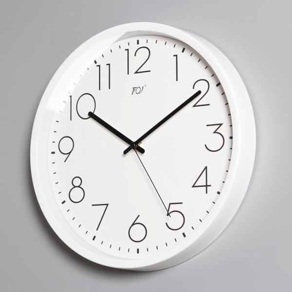 TQJ簡約壁掛鐘客廳家用時尚靜音白掛錶掛墻時鐘錶電波裝飾石英鐘 酷男精品館
